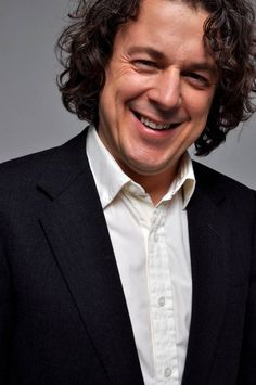 If you are a fan of Jonathan Creek and his witty comments to his latest side kick detective then you will surely love the performance from the man himself- Alan Davies, he will be performing his Life Is Pain tour in 2013. #FunnyPeople #Laugh