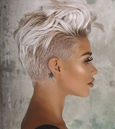 Pixie hairstyles 793196553103588523 - Blonde Long Shaved Pixie ❤ A long pixie cut is the definition of versatility combined with style. There are options for all the face shapes and hair types. Simply amazi Source by love_hairstyles Long Pixie Cuts, Short Pixie Haircuts, Short Hair Cuts For Women, Blonde Haircuts, Undercut Pixie Haircut, Pixie Cut Bangs, Short Short Hair, Short Hair Pixie Edgy, Pixie Mohawk