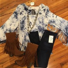 "Get your FRINGE on with our NEW ARRIVAL ""New Reality Top"" !!! Style with skinny jeans and boots! #lorelaisstyle #boutiquesonbroadway #uptowncolumbus #shopsonbroadway #lorelaisuptowncolumbus #shoplocal"