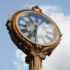 Emmy DE * The Fifth Avenue Building clock in NYC's Flatiron District, restored by Tiffany