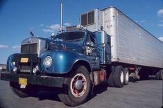 Alle Größen   Big Blue B   Flickr - Fotosharing! Old Mack Trucks, Big Rig Trucks, Semi Trucks, Cool Trucks, Flatbed Trailer, Trailers, Mack Attack, Truck Transport, Trucks And Girls