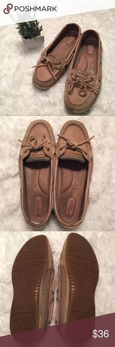 Sperry topsider shoes Normal wear only noticeable inside shoes not when being worn! These are already broken in so you don't have to worry about that. They're good looking, very comfortable, easy to just throw on and go out in shoes! Woman's size 9.5M. Questions and offers are always encouraged 💕💎🌻 Sperry Top-Sider Shoes Moccasins