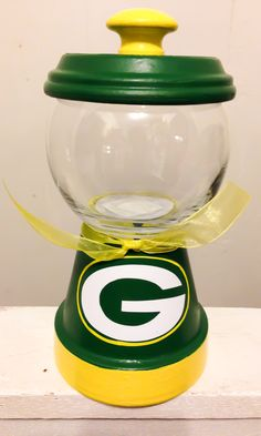 Clay Flower Pots, Clay Pots, Packers Gear, Greenbay Packers, Packers Football, Football Crafts, Football Memes, Green Bay Packers Gifts, Candy Jars