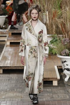 Antonio Marras Fall 2016 Ready-to-Wear Fashion Show www.thesquarebanana.com