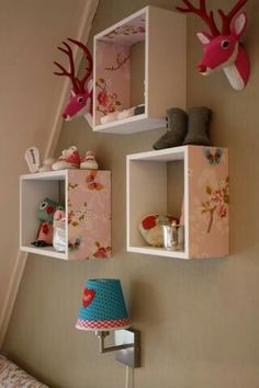 Decorate inside or outside of box shelves: zo simpel en zo leuk Girls Bedroom, Bedroom Decor, Deco Kids, Cube Shelves, Big Girl Rooms, Kids Decor, Home Decor, New Room, Baby Room
