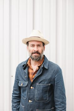 rude-buoy:It's Jason Lee and if it ain't they could be twins