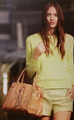 #alvieromartini #fashion #glamour #madeinitaly #shopping #bussola #moda #borse #bags #shoppingbag # 1Classe #cool