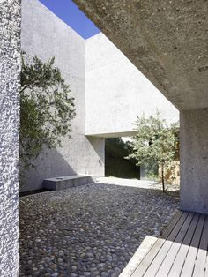 Wespi de Meuron Romeo architects, Hannes Henz · New Concrete House in Brissago