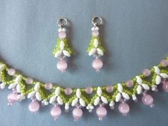 FREE diy for Twin Flanked Drop Earrings ~ Seed Bead Tutorials