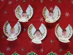 Engeltjes van papieren bordjes