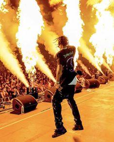 It aint a La Flame show without a little bit of fire :// Travis Scott Style, Travis Scott Rodeo, Travis Scott Birds, Travis Scott Fashion, Travis Scott Iphone Wallpaper, Travis Scott Wallpapers, Arte Do Hip Hop, Hip Hop Art, Travis Scott Konzert