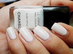lace and bow - wedding - nail polish - chanel - blanc pétale