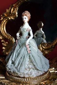 95387-283x424-Porcelain-figurine-collectible.jpg (283×424)