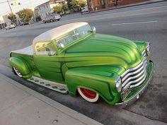 Hot Rod now thats a green truck 54 Chevy Truck, Classic Chevy Trucks, Classic Cars, Chevy Classic, Hot Rod Trucks, Cool Trucks, Cool Cars, Cars Vintage, Vintage Pickup Trucks