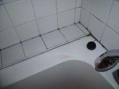Les joints du carrelage de votre salle de bain ont moisi ? Voici un produit nettoyant fait maison efficace contre les joints qui ont jauni ou noirci.Ce nettoyant fait maison a l'avantage d'être facile à faire, pas cher et le résultat est incroyable. Vous avez besoin de: 100 g de bicarbonate de soude 1 verreLire la suite