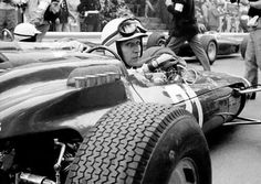 1964 Monaco GP, Monte Carlo : John Surtees, Ferrari 158 #21, Scuderia Ferrari, Retired (gearbox, lap 15). (ph: © Klemantaski via gtxforums.com)