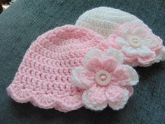 Handmade Crochet Lovliness by icrochetedthis Twin Baby Girls, Baby Girl Hats, Girl With Hat, Crochet Baby Hats, Crochet Beanie, Hand Crochet, Flower Hats, Baby Flower, Crochet Scalloped Edge