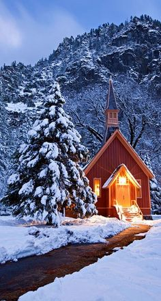 Winter, Yosemite church by Kevin Pieper. A quaint, brightly lit little church in the midst of a winter storm. Winter Szenen, Winter Time, Winter Christmas, Winter Light, Christmas Images, Christmas Cards, Merry Christmas, Old Country Churches, Old Churches
