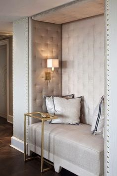 guest bedroom inspiration - beautiful gold and white traditional style foyer hallway with built in bench seating Upholstered Walls, Banquette Seating, Foyer Decorating, Built In Bench, White Rooms, Beautiful Space, Beautiful Homes, Cool Rooms, My Living Room