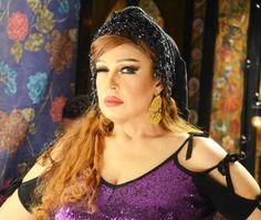 فيديو- فيفي عبده ترقص على أغنية لشيرين عبد الوهاب.. وتفحم إحدى متابعاتها