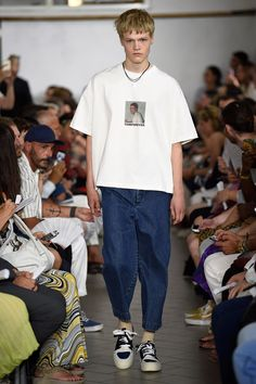 Sunnei Spring 2018. Menswear Коллекция Фото - Vogue