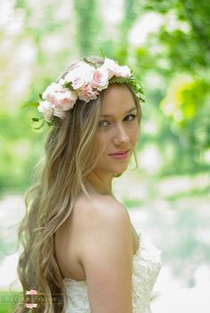 A flower crown without the wilting. This flower crown is made with the most beautiful shades of pink preserved roses and designed with preserved ferns and greens throughout. It will not wilt in an hou