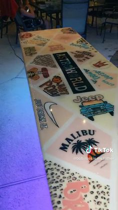 Custom Beer Pong Tables, Beer Table, Diy Table, Mirror Painting, Fabric Painting, Diy Party Games, Cornhole Designs, Pink Palace, Bude