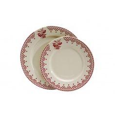Une assiette à dessert en faïence ivoire décorée d'un motif rouge charmant et traditionnel, emblématique de la marque Comptoir de Famille