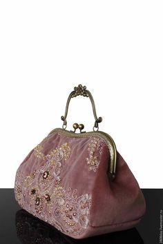 """Купить """"Вечер в Версале"""" бархатная сумочка, коллекционная сумочка, пудровый…"""