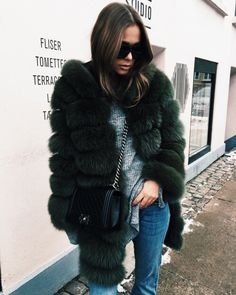 s p r n 1 3 fur . fluffy . chanel