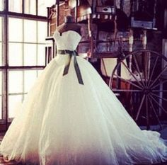 Love this dress, ahhh future wedding dresss potential definatelyyy