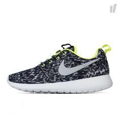 Nike Wmns Rosherun Print - http://www.overkillshop.com/de/product_info/info/14023/
