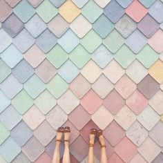 These pastel eyeshadows are aweinspiring rainbow hues eyeshadow makeup inspiration Photo clarenicolson Tile Patterns, Textures Patterns, Color Patterns, Decoration Inspiration, Color Inspiration, Makeup Inspiration, Pastel Colors, Colours, Colour Board