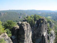 Die Bastei auf dem Malerweg im Elbsandsteingebirge bzw. der Sächsischen Schweiz.