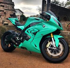 Kalk BMW o ♥ - Super bikes - Motos esportivas lustig bilder Bmw S1000rr, Moto Bike, Motorcycle Bike, Women Motorcycle, Motorcycle Quotes, Futuristic Motorcycle, Bmw Autos, Cool Motorcycles, Triumph Motorcycles