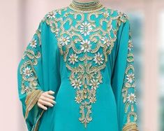 You've searched for Women's Dresses! Etsy has thousands of unique options to choose from, like handmade goods, vintage finds, and one-of-a-kind gifts. Kaftan Abaya, Kaftans, Abayas, Long Gown Elegant, Style Caftan, Maxi Gowns, Women's Dresses, Middle Eastern Fashion, Fancy Gowns