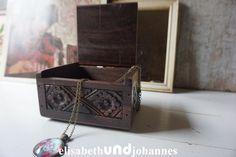Sorry, schon verkauft...Vintage Aufbewahrung - Vintage Kästchen, holz, handgefertigt - ein Designerstück von elisabethUNDjohannes bei DaWanda