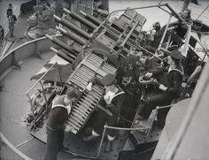 Royal Navy anti-aircraft gun crew