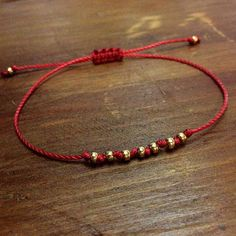 Red String Bracelet – Best Friend Gift – Best Friend Bracelet – Seed Bead Bracel… Red String Bracelet – Best Friend Gift – Best Friend Bracelet – Seed Bead Bracelet – Best Friend Birthday – Gift for her – Good Luck Jewelry - Bracelets Fins, Seed Bead Bracelets, Macrame Bracelets, Handmade Bracelets, Handmade Jewelry, Jewelry Bracelets, Friendship Bracelets With Beads, Birthday Gifts For Best Friend, Best Friend Gifts