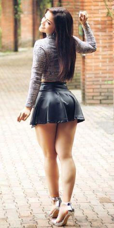 Beautiful Legs, Gorgeous Women, Looks Pinterest, Sexy Legs And Heels, Sexy Feet, Jolie Lingerie, Elegantes Outfit, Sexy Skirt, Dress Skirt