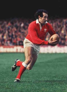 The greatest Welsh rugby player ever: Gareth Edwards