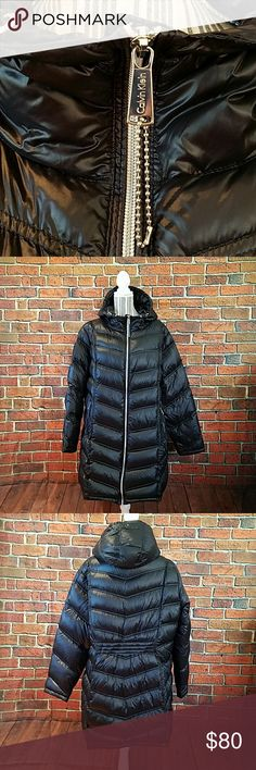 Calvin klein lightweight packable down puffer coat Hooded puffer Coat and comes with packing drawstring bag EUC very lightweight and still toasty warm its the longer length 2X plus size Calvin Klein Jackets & Coats Puffers