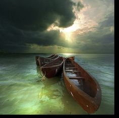 nature and boat Beautiful World, Beautiful Images, Cool Pictures, Cool Photos, Float Your Boat, Am Meer, Kayaking, Canoeing, Scenery