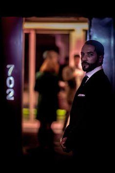 La sugerente mirada del doorman de la Suite Brockmans #room #mate #likenoother #night #corto #shortfilm #Brockmans #party #fiesta #clandestina