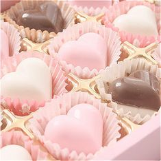 cute, pink ja sweet kuva sivulla We Heart It Aesthetic Food, Pink Aesthetic, Pink Love, Pretty In Pink, Sweet Party, Chocolate Hearts, Pink Chocolate, Chocolate Food, Pink Foods