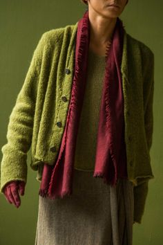 Cardigan Made of Brushed Alpaca Wool alpaca wool October, 2017 Photograph by Yuriko Takagi Mein Style, Casual Outfits, Fashion Outfits, New Shape, Over 50 Womens Fashion, Knit Picks, Slow Fashion, Sewing Clothes, Refashion