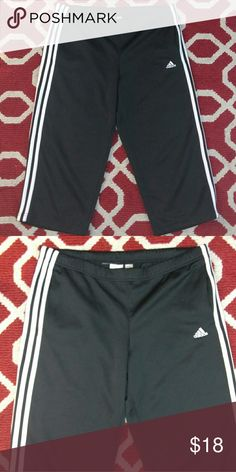 """Sz M Climalite Adidas capri short pants Good condition Adidas Climalite 36"""" waist Inseam 21"""" Has elastic waist with string to loosen or tighten adidas Pants Track Pants & Joggers"""