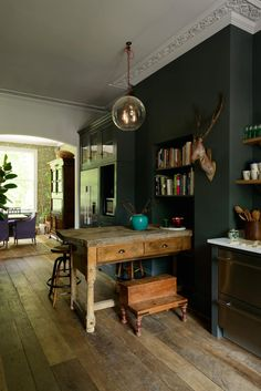 Modern Kitchen Design the Islington Townhouse Kitchen by deVol with dark walls and vintage decor. / sfgirlbybay - another brilliant beauty from devol, meet the Islington Townhouse Kitchen with its Classic English cupboards and ornate crown molding. Farmhouse Style Kitchen, Modern Farmhouse Kitchens, Home Decor Kitchen, Kitchen Design, Family Kitchen, Kitchen Ideas, Decorating Kitchen, Apartment Kitchen, Kitchen Art