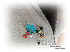 Broche Mickey realizado a mano con cuentas japonesas. Brooch Mickey Mouse handmade with seed beads Miyuki.