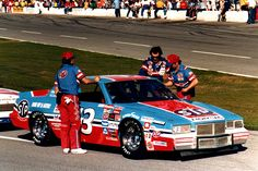 old nascar photos Nascar Crash, Nascar Race Cars, Richard Petty, King Richard, Plastic Model Cars, Pontiac Grand Prix, Model Cars Kits, Garage Art, Vintage Racing